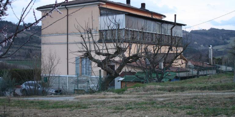 Appartamento in campagna con tre camere e corte esclusiva