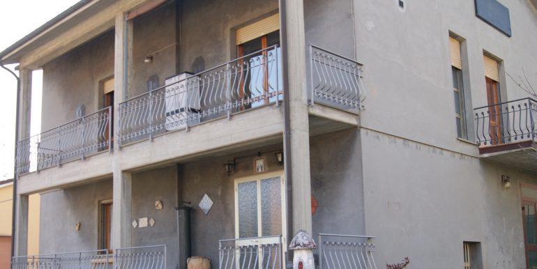 Villa indipendente bifamiliare a Modigliana